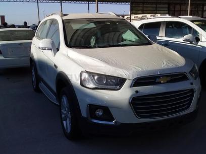 Chevrolet Captiva, 4 pozitsiya 2017 года за ~26 684 у.е. в Urganch