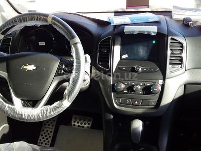 Chevrolet Captiva, 4 pozitsiya 2017 года за ~26 684 у.е. в Urganch – фото 3