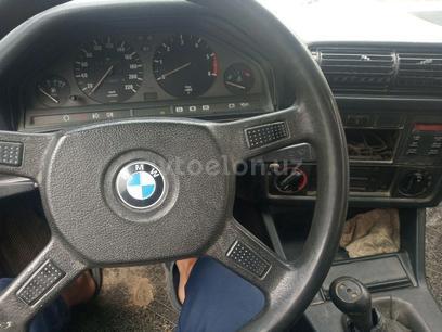 BMW 324d 1986 года за 1 800 y.e. в Джизак