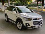 Chevrolet Captiva, 4 позиция 2015 года за 22 000 y.e. в Ташкент