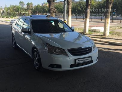 Chevrolet Epica, 2 позиция 2010 года за 7 800 y.e. в Ташкент – фото 3