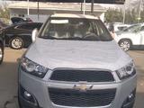 Chevrolet Captiva, 2 pozitsiya 2012 года за ~14 394 у.е. в Toshkent